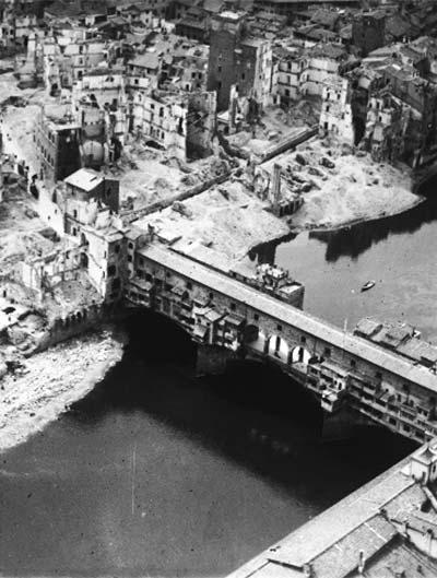 An aerial picture of Ponte Vecchio safe from bombings, copyright (c) Ufficio Stampa Opera Laboratori Fiorentini Civita