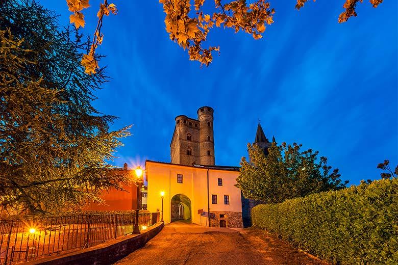 The Castle of Serralunga d'Alba, photo credits Shutterstock