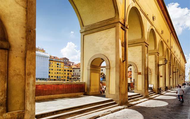 The Vasari Corridor, photo credits Shutterstock